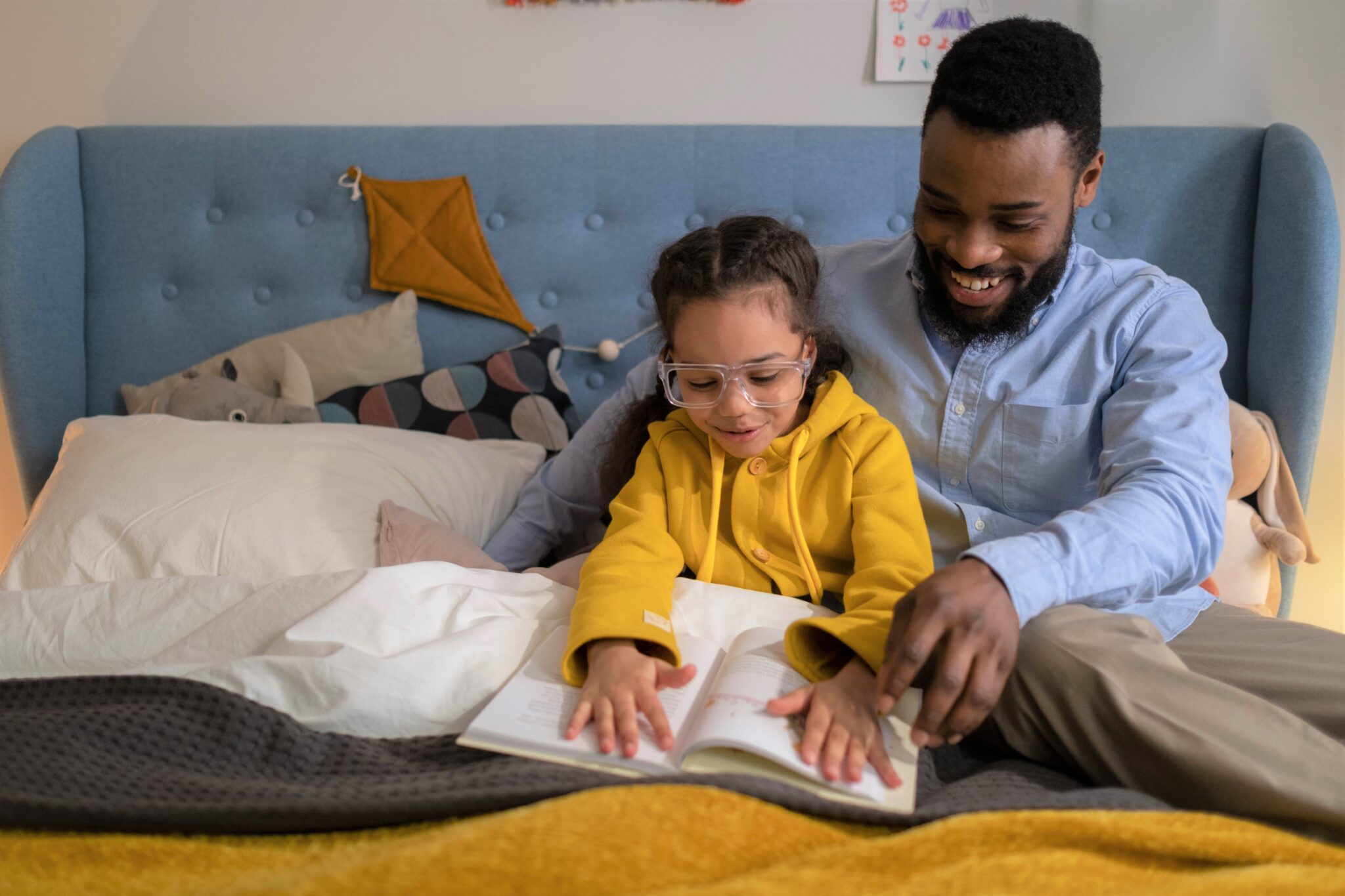 The positive impact a father has by reading to their child
